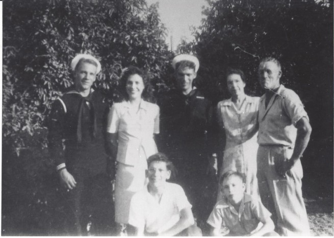 STARNER Leonard and Essie with children Glenn Mildred Earl and lower Kenneth and Don abt 1942 from Charlene Wire